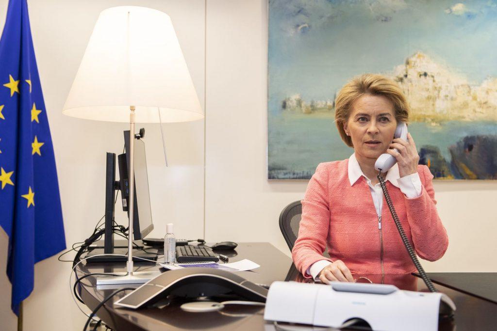 """Урсула фон дер Лайен по време на интервюто по телефона с """"Ел Паис"""". Снимка: El Pais"""