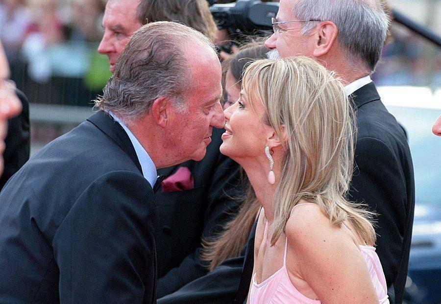 Бившият испански крал Хуан Карлос и принцеса Корина цу Сайн Витгенщайн, снимани преди години на светско събитие. Снимка: weser-kurier.de