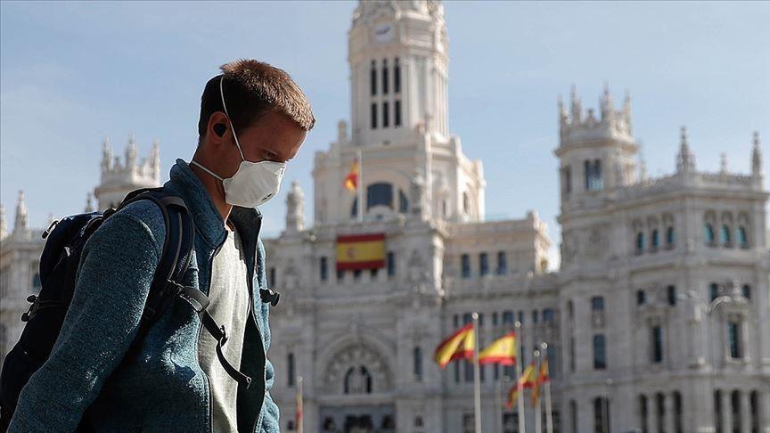 Правителството в Мадрид увери испанските граждани, че никой няма да бъде изоставен пред лицето на коронавируса. Снимка: Anadolu Agency
