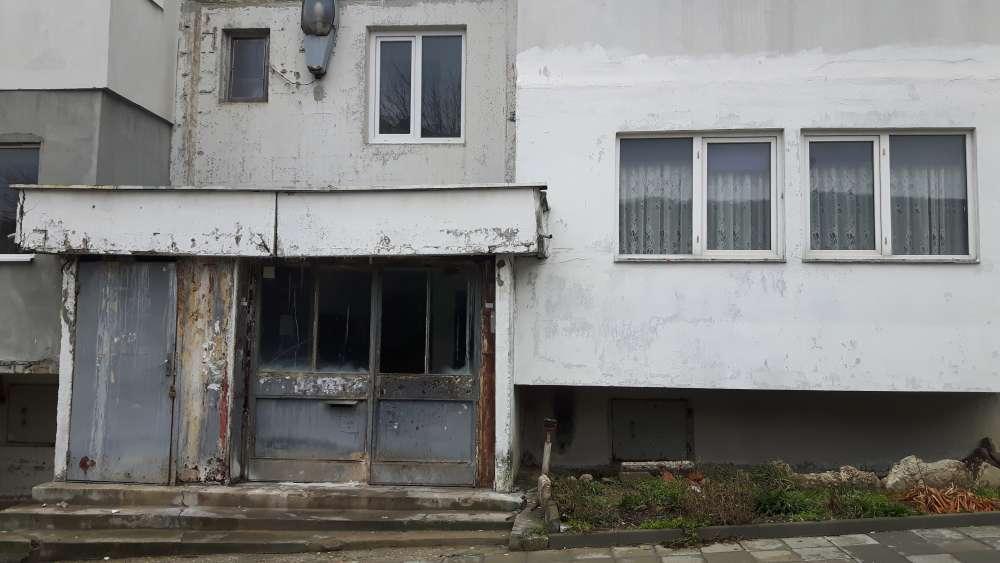 Входът, който се оказва твърде добър за центъра за работа с ромски деца.
