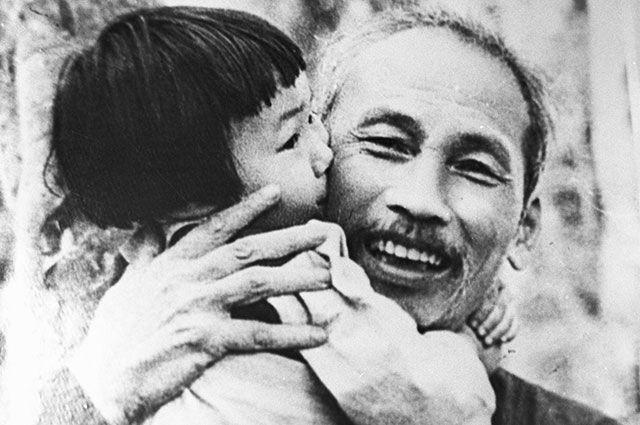 Хо Ши Мин и до днес е дълбоко тачен и обичан във Виетнам. Снимка: РИА