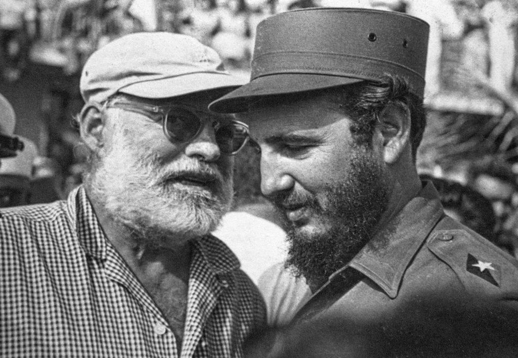 Ърнест Хемингуей и Фидел Кастро на риболовня турнир за улов на марлини, 15 май 1960 г. Снимка: Алберто Корда
