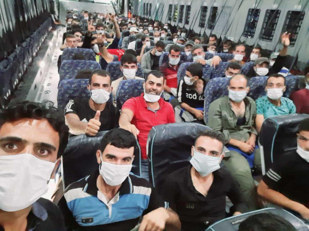 """Бойци от """"Дивизия Хамза"""" сами пуснаха снимки от заминаването си за Азербайджан в социалните мрежи."""