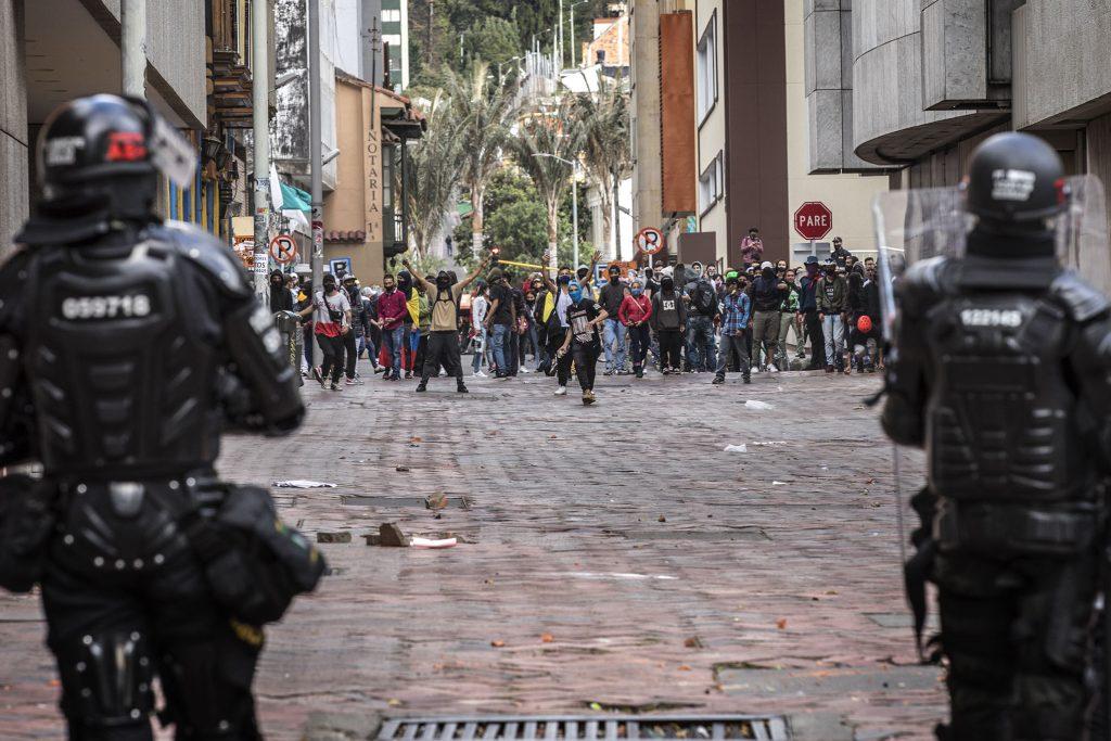 Общата стачка в Колумбия на 21 септември бе насочена срещу полицейското насилие, продължаващите убийства на граждански активисти, суровите социални орязвания на правителството. Снимка: Хуан Карлос Сиера, semana.com