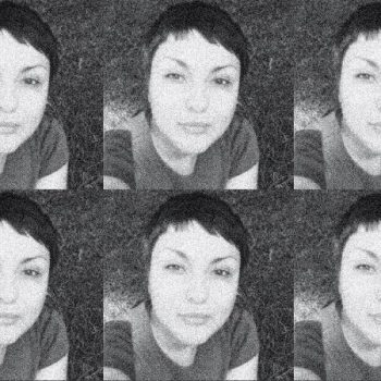 """""""Уолстрийт Джърнъл"""" (WSJ) илюстрира разследването си с колаж от размножена снимка на Олга Галкина, с която тя е известна в социалните мрежи."""