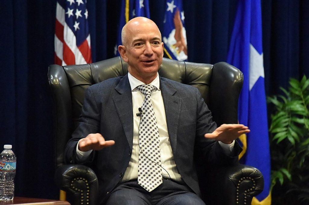 Милиардери като Джеф Безос станаха още по-богати по време на пандемията. Wikimedia Commons