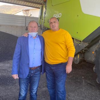 Премиерът Бойко Борисов прекара изминалите месеци в ПиАр обиколки из страната, вместо да подготвя правителството за неминуемата втора вълна на вируса. Снимка: https://www.facebook.com/boyko.borissov.7