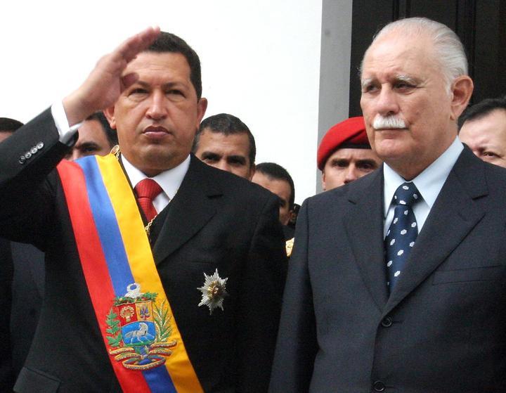 Уго Чавес като президент и Хосе Висенте Ранхел като вицепрезидент. Снимка: EFE