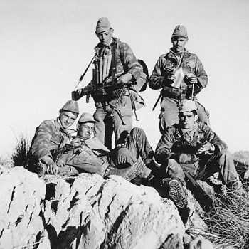 Френски войници по времена Алжирската война. Wikimedia Commons