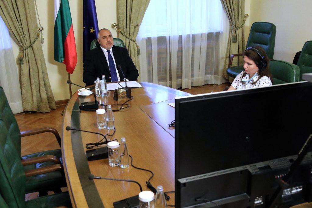 Премиерът в неговата микрофония. Снимка: Фейсбук профил на Бойко Борисов