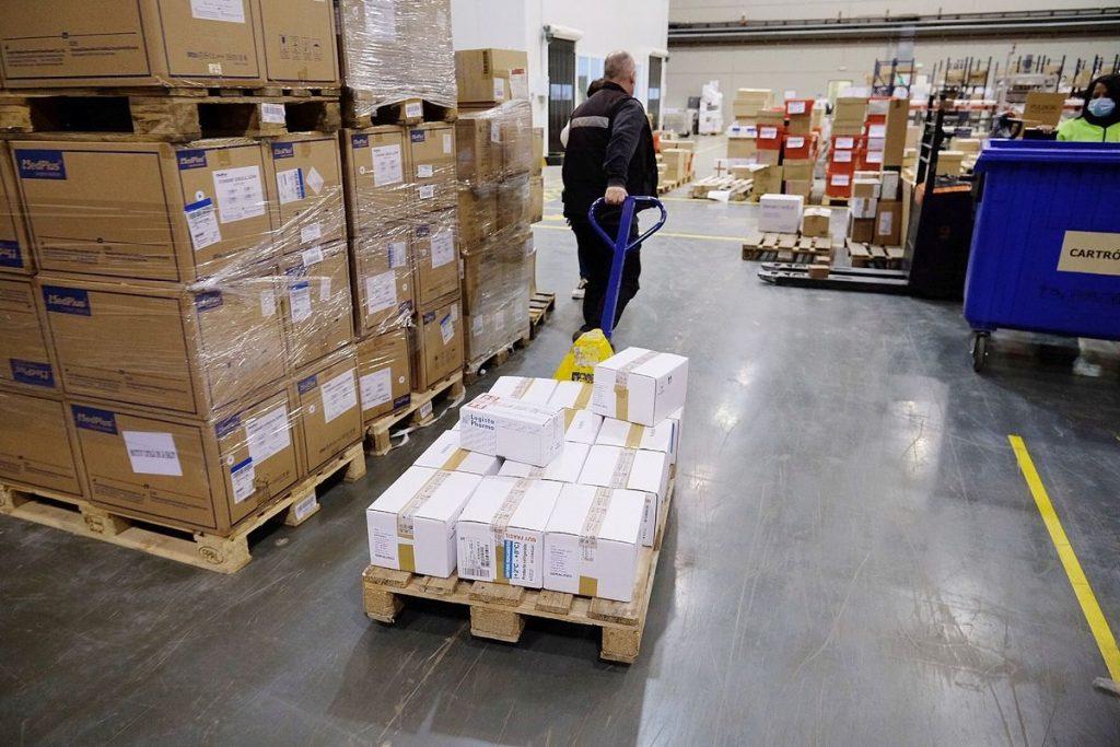 Досега AstraZeneca е доставила за различни европейски страни общо 16,6 млн. свои ваксини. Снимка: elperiodico.com