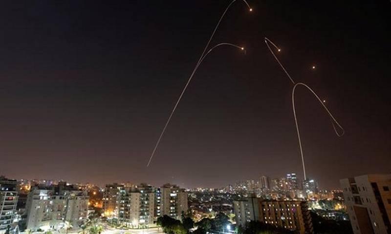 Израел редовно подлага Дамаск на въздушни атаки, което предизвиква ответен огън от сирийската противовъздушна отбрана. Снимка: Ройтерс