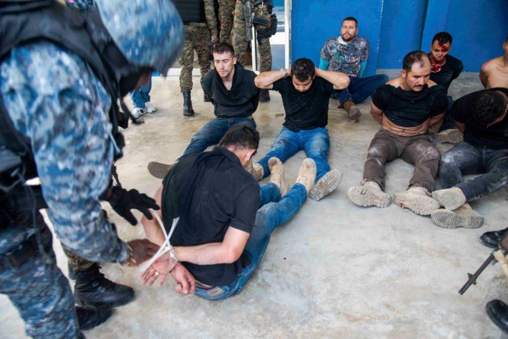 Част от задържаните наемници, убили президента на Хаити. Снимка: resumenlatinoamericano.org