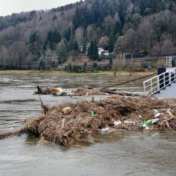 elbe-flood-92213_1280