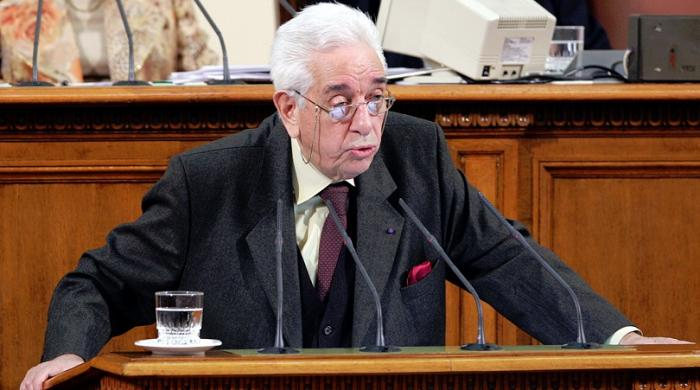 Гиньо Ганев на парламентарната трибуна. Снимка: bntnews.bg