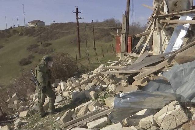 Russian_peacekeeper_in_Martuni,_Nagorno-Karabakh_(Artsakh)