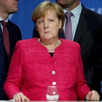 Ангела Меркел ще продължи да изпълнява длъжността канцлер до съставянето на ново правителство. Снимка: Ройтерс.