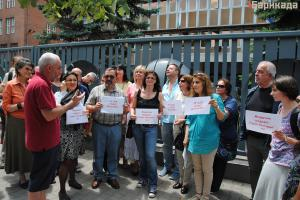 Подкрепа за протестиращите изразиха и присъединилите се към тях Снежана Тодорова, председател на УС на СБЖ, и Иван Върбанов, главен секретар на СБЖ (на заден план)